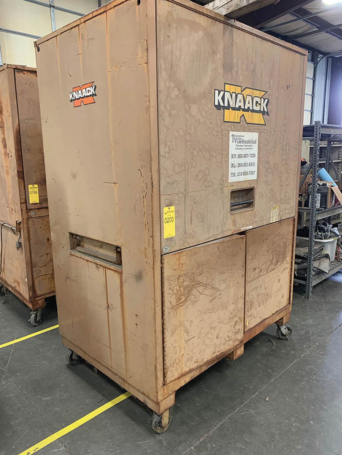 Lot 200 - KNAACK TRIPLE DOOR TOOL BOX ON CASTERS
