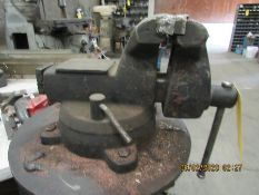 6'' VISE ON STAND W111073 W111074