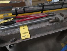 36'' PIPE WRENCH AND BOLT CUTTER