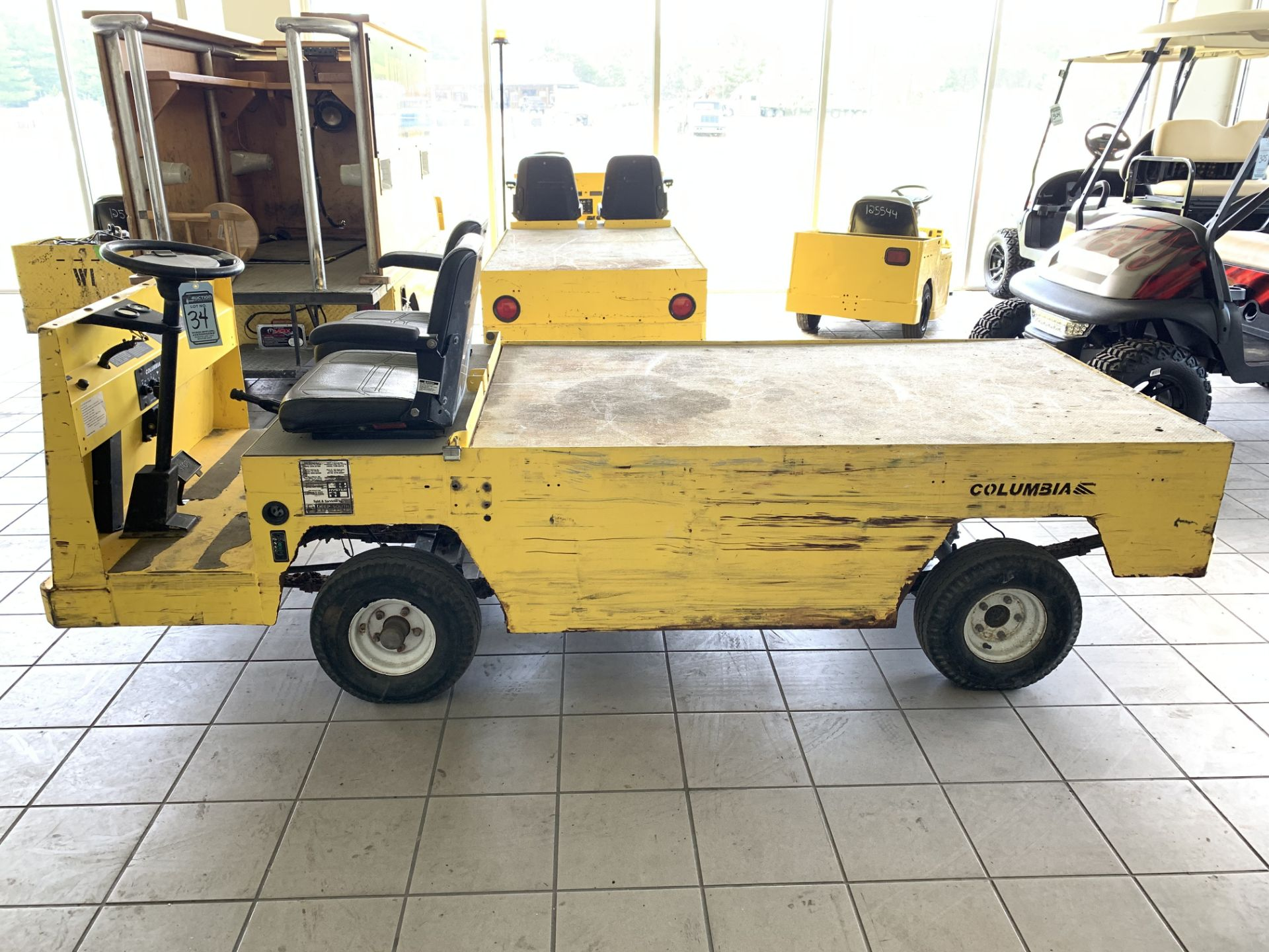 Lot 34 - 2016 COLUMBIA MAINTENANCE CART, MOD: BC3-L-36, 36-VOLT, ON-BOARD CHARGER, 472 HOURS, RUNS & OPERATES