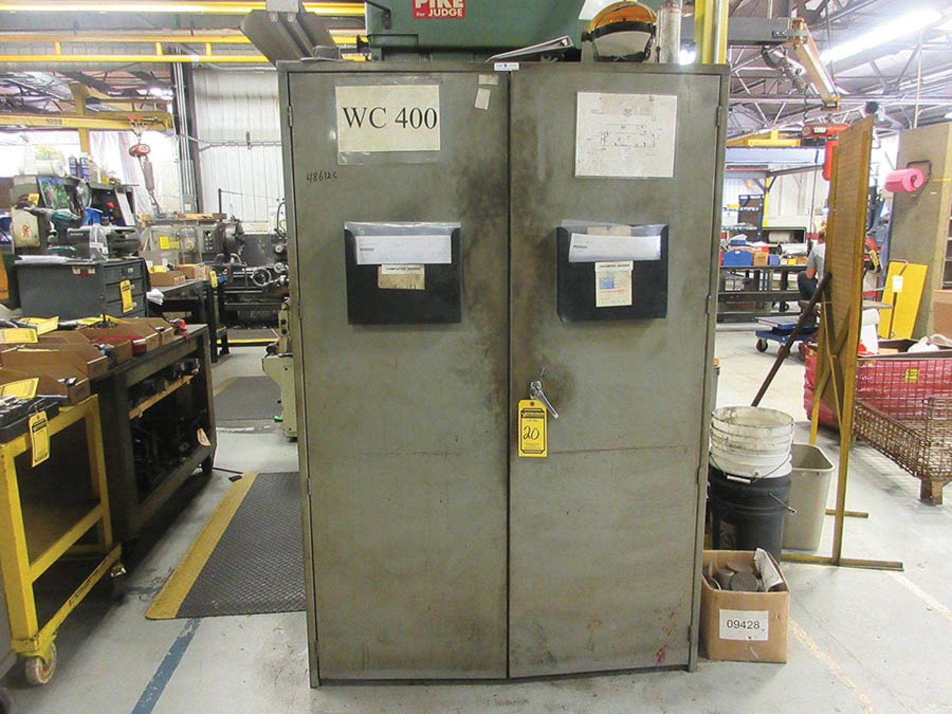 Lot 20 - GRIZZLY EQUIP. 2-DOOR CABINET W/ ALLEN DRILL TOOLING: REAMERS, DRILL BITS & MORE