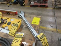PITTSBURGH 24'' ADJ. WRENCH & PITTSBURGH 2'' END WRENCH