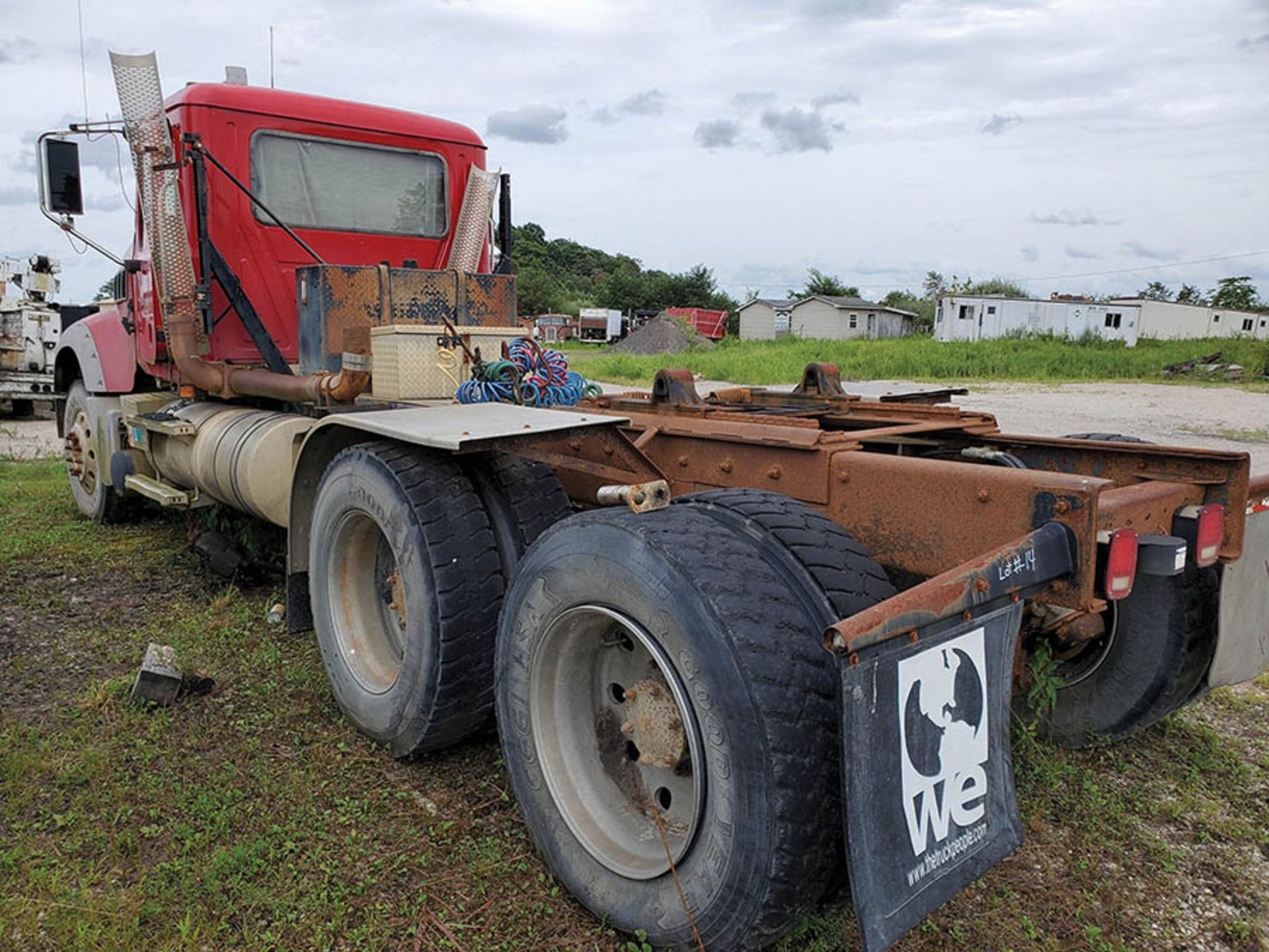 Lot 14 - 2008 MACK GU713 T/A DAY CAB TRACTOR, MAXITORQUE 18 SPEED TRANS., WET LINES MACK INLINE SIX DIESEL