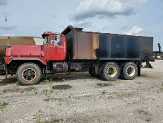 1986 MACK RD600 EATON FULLER TRANSMISSION T/A WATER TANKER TRUCK, INLINE SIX MACK ENGINE, 76,838