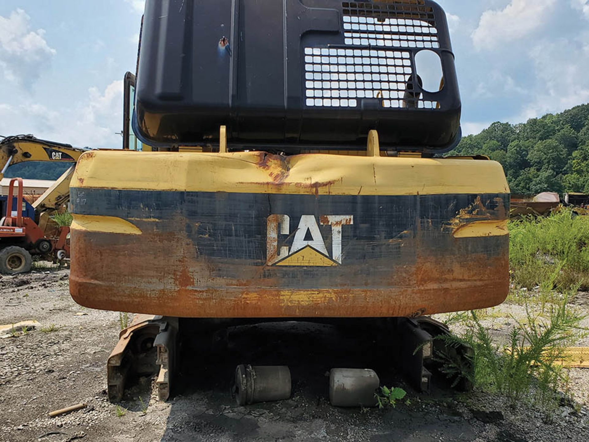 Lot 117 - CATERPILLAR 330BL EXCAVATOR, S/N: 6DR04325, 50'' BUCKET WITH TEETH, CAT 3306 DIESEL ENGINE,