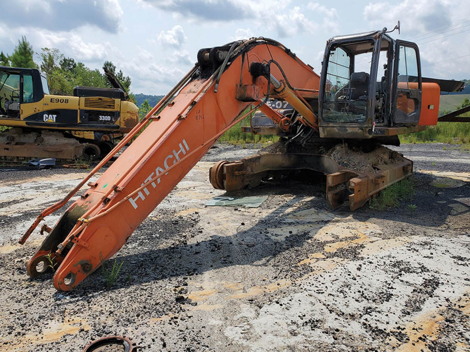 Lot 142 - HITACHI ZX350LC-3 EXCAVATOR FOR PARTS/SCRAP, S/N: 1100ASP920326 (UNIT #E07) LOCATION: UPPER LEVEL