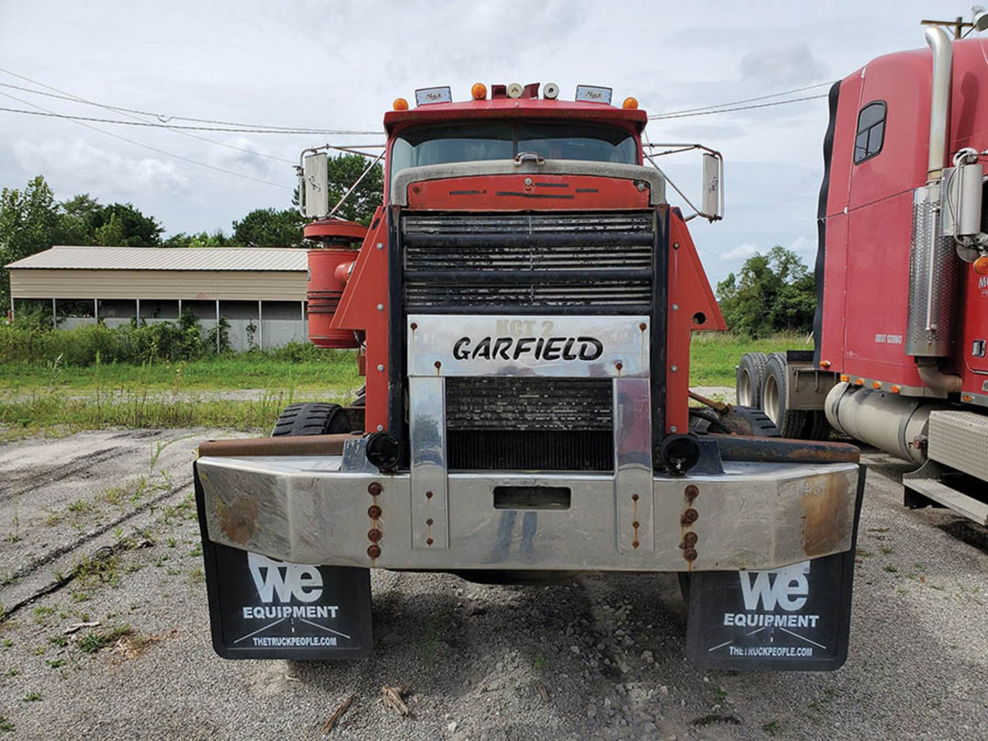 Lot 24 - MACK T/A DAY CAB TRACTOR, MACK INLINE SIX DIESEL ENGINE, KCT 2, LOCATION: MARCO SHOP