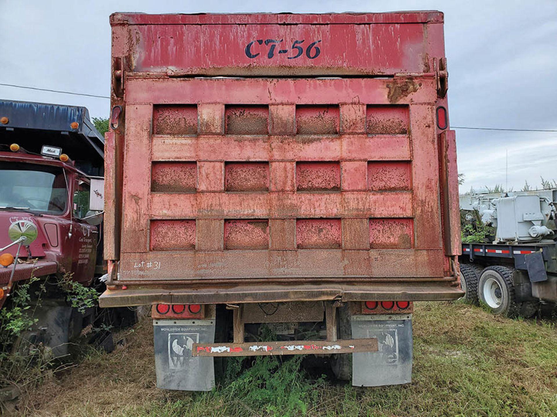 Lot 31 - 1997 MACK RD888 SX T/A DUMP TRUCK, VIN 1MP278C4VM002006, CT 56, LOCATION: MARCO SHOP