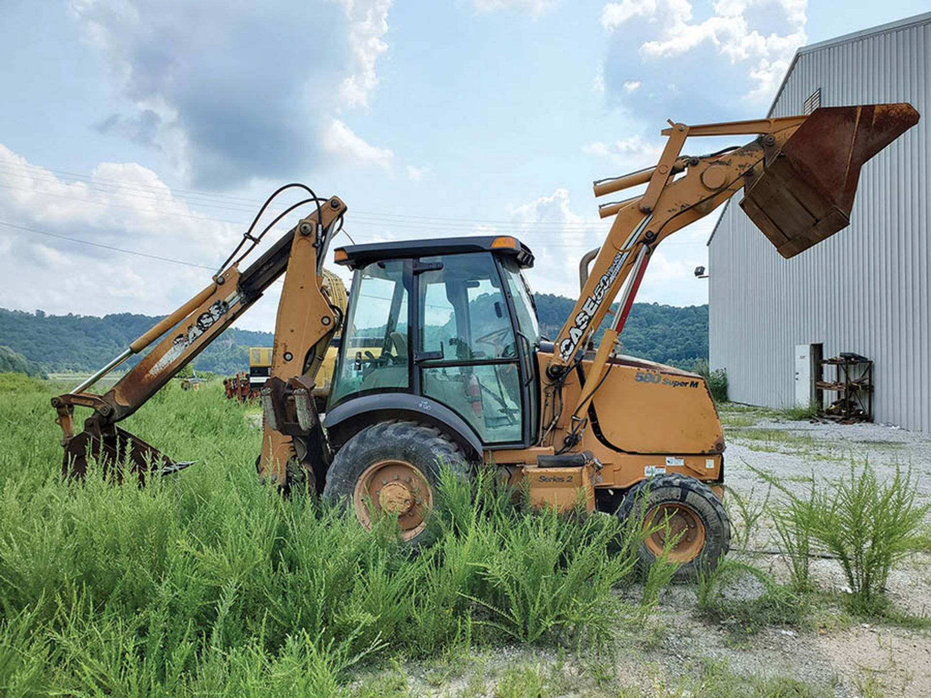 Lot 120 - CASE 580 SUPER M 4X4 LOADER BACKHOE, P/N: N7C426641, 6,690 HOURS SHOWING, 4-SPEED WITH SHUTTLE