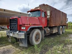 1986 MACK RD600 EATON FULLER TRANSMISSION T/A WATER TANKER TRUCK, INLINE SIX MACK ENGINE, 48,619
