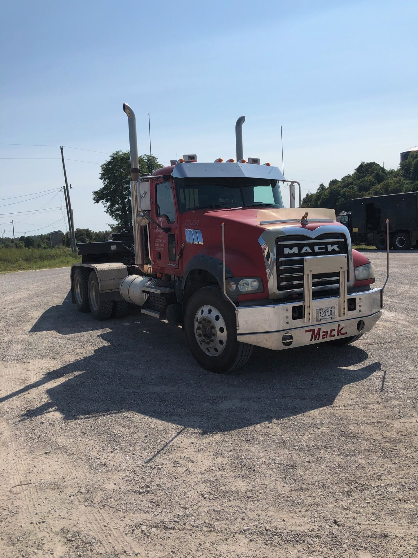 Lot 1 - 2008 MACK GU713 T/A DAY CAB TRACTOR, MAXITORQUE 18 SPEED TRANS., WET LINES INLINE SIX MACK DIESEL