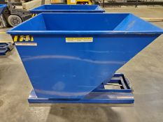 VESTIL 1/2 YARD SELF-DUMPING HOPPER, MODEL D-100-HD, 2,000 LB CAPACITY