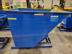 VESTIL 1 YARD SELF-DUMPING TRIP HOPPER, MODEL D-200-HD, 6,000 LB CAP