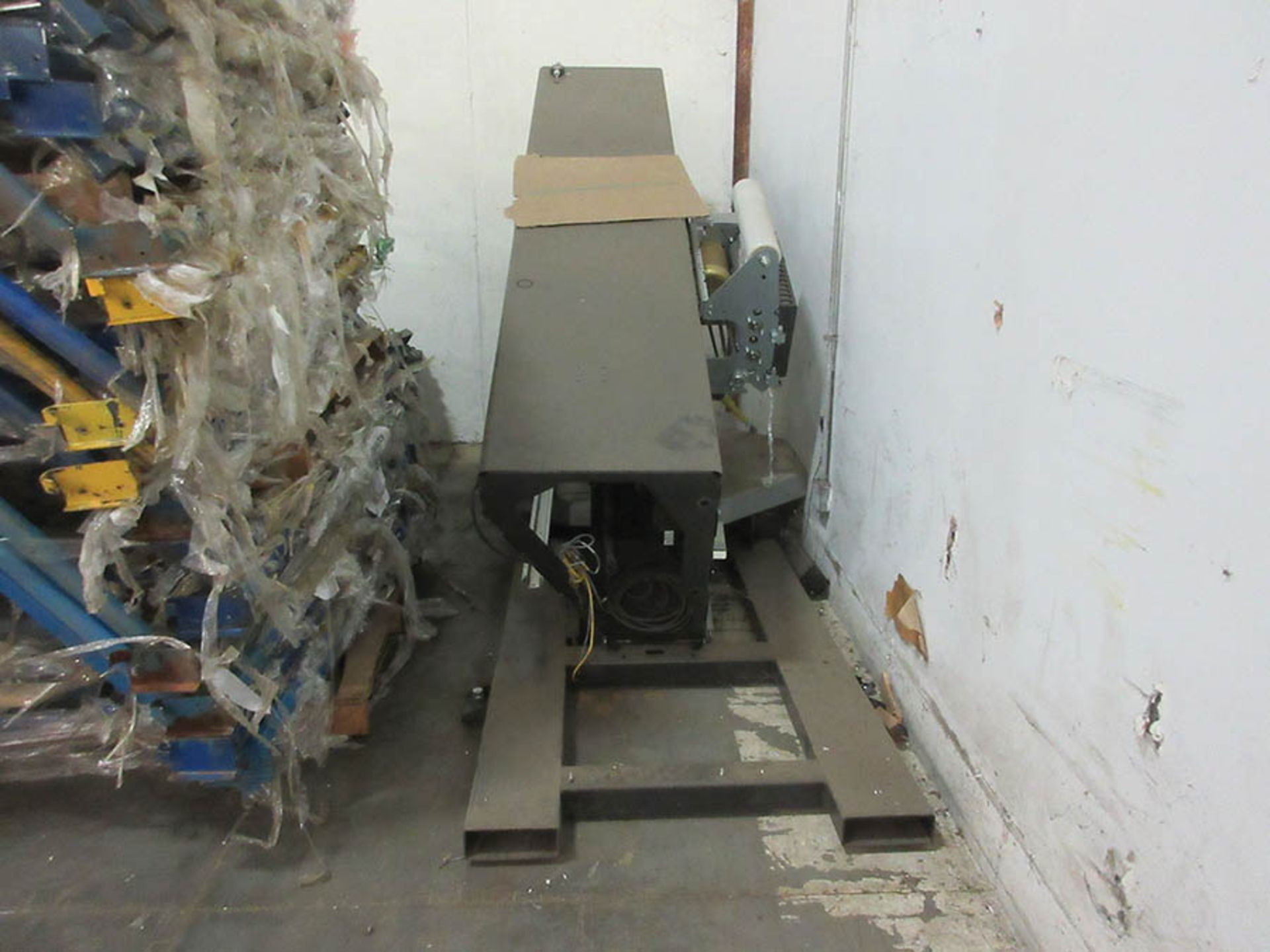 Lot 19 - WULFTEC MAILLIS STRETCH WRAPPER, SMART SERIES, MODEL: WSMH-150-B, 120/60/1, 51'' TABLE, S/N 156121-