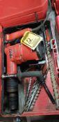 HILTI TE72 HAMMER DRILL, 1/12'' STEEL MAX., 5'' CONCRETE MAX. W/ DRILL BITS & CASE