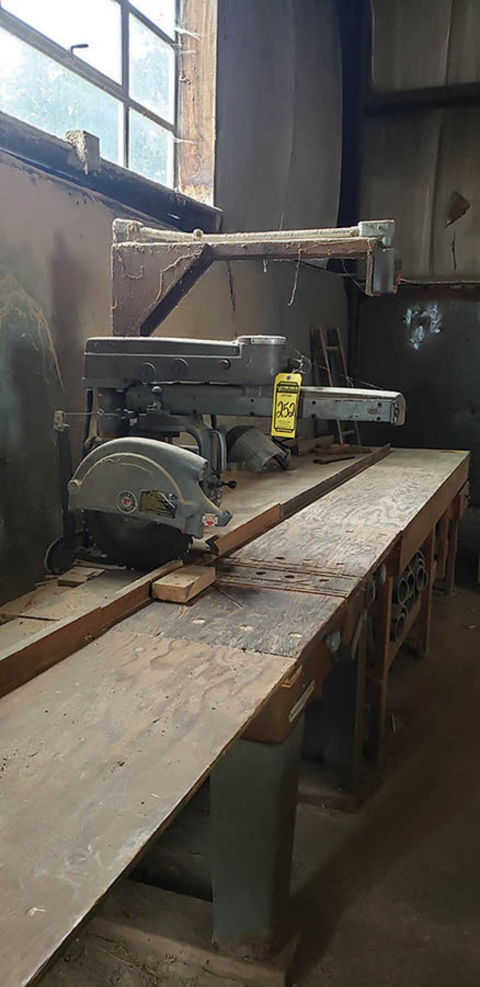 Lot 252 - ROCKWELL RADIAL ARM SAW