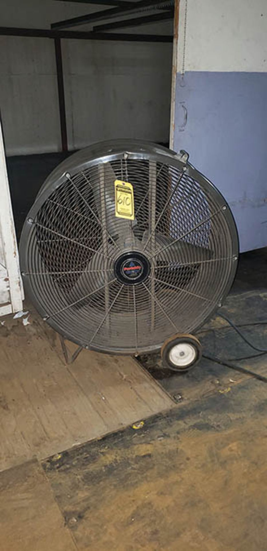 (6) PORTABLE COOLER 36'' FANS - Image 2 of 3