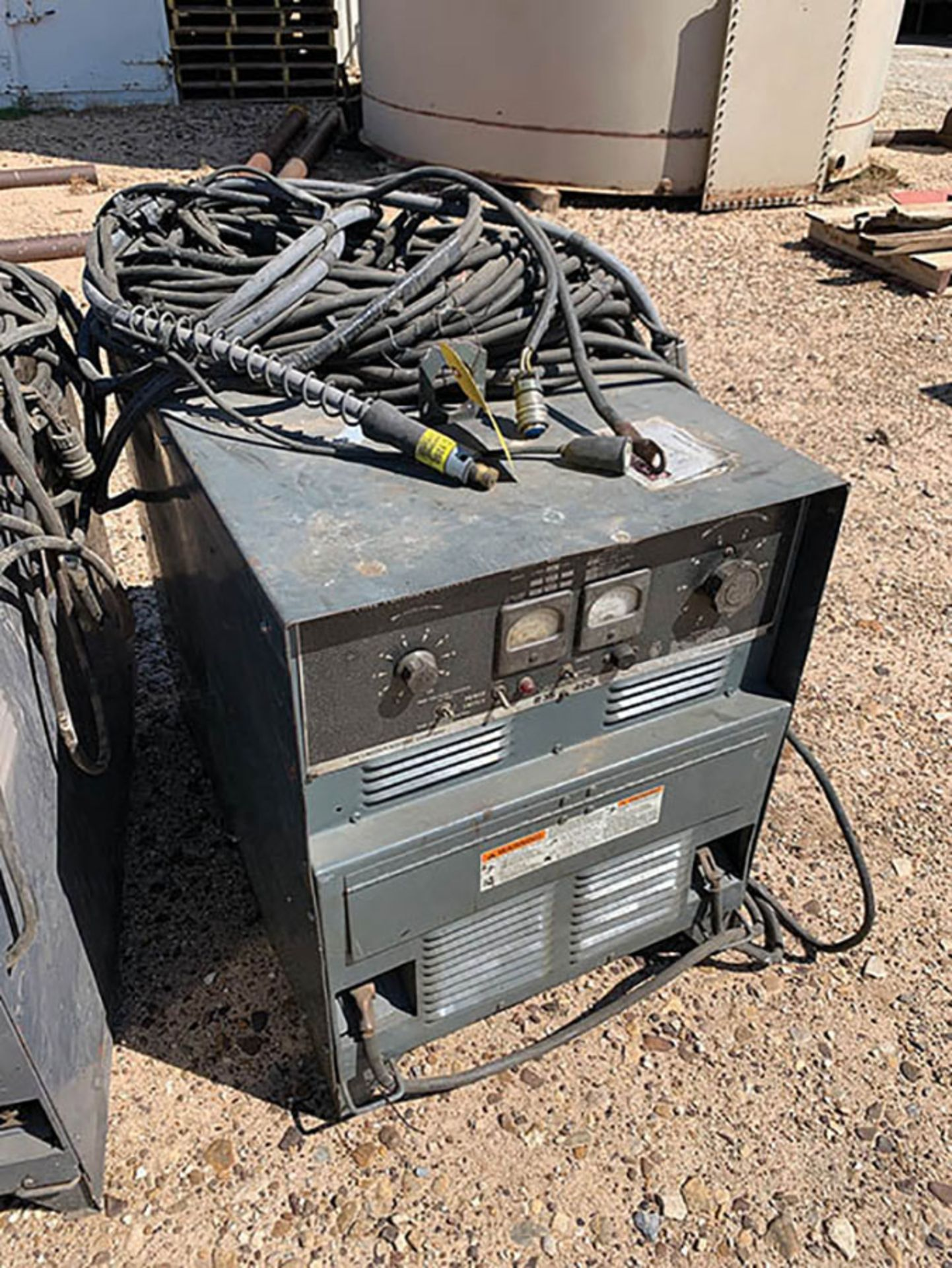 LINCOLN R3S WELDING POWER SOURCE, S/N AC421849