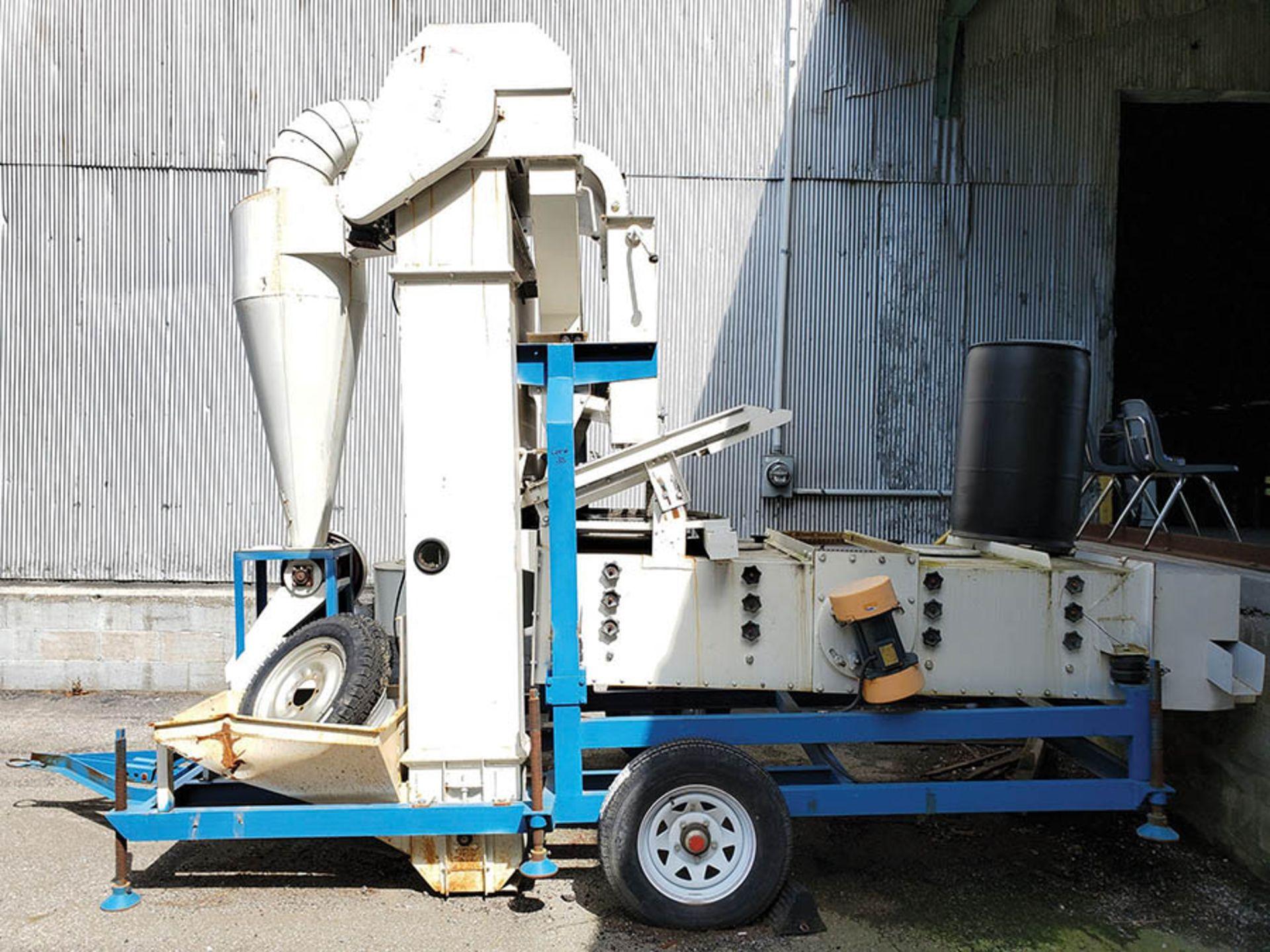 TOWABLE SYNMEC SHAKER SEED CLEANER & GRADER, HEMP STEM/SEED SEPARATOR, 3 STATION, MODEL 5X2F-7-5F, - Image 2 of 11