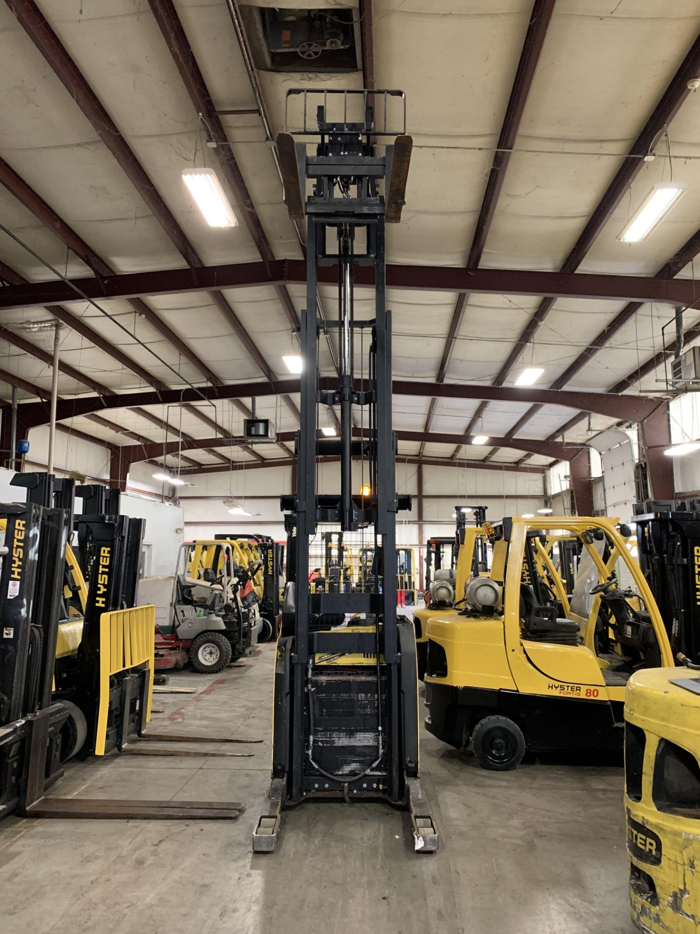 """*LOCATED IN OHIO* 2015 HYSTER 3,500-LB. CAPACITY REACH TRUCK, MOD NR35, 111"""" LOWER/251'' LIFT HEIGHT - Image 7 of 7"""