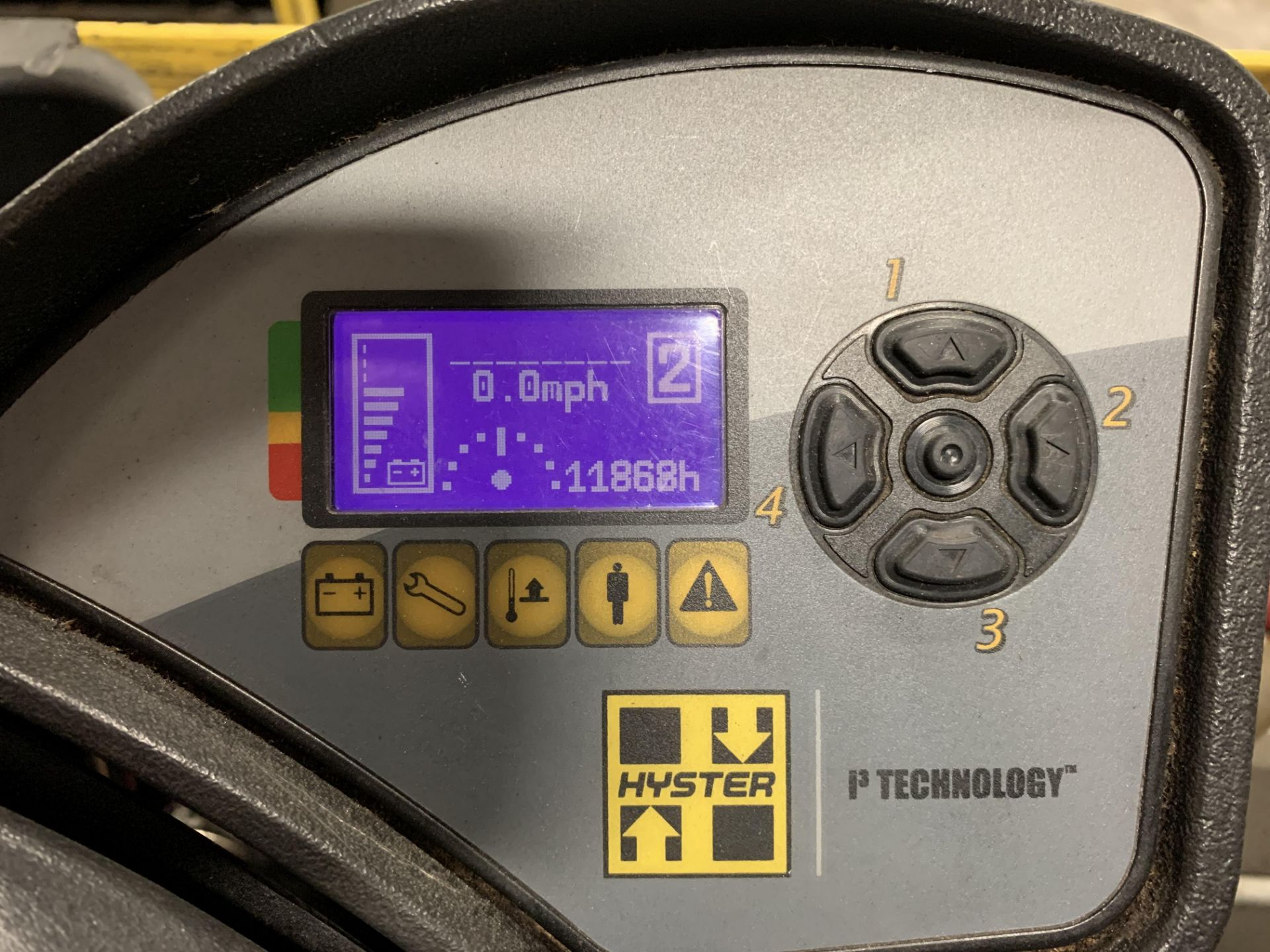 """*LOCATED IN OHIO* 2015 HYSTER 3,500-LB. CAPACITY REACH TRUCK, MOD NR35, 111"""" LOWER/251'' LIFT HEIGHT - Image 4 of 7"""