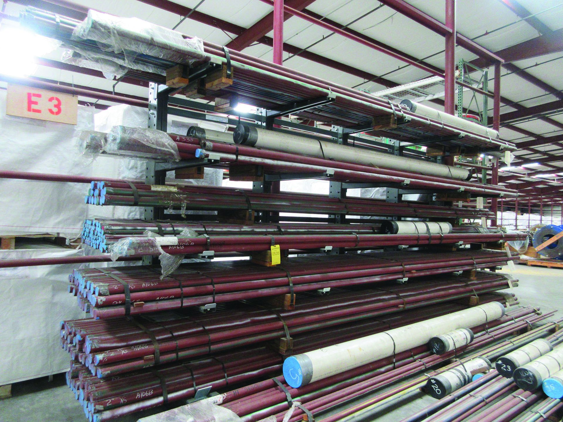 CANTILEVER RACK W/CONTENT: 120'' X 48'' X 202'', BUNDLES OF PIPE; 3/4'', 1'', 1 1/2'', 2'', MOST - Image 2 of 17