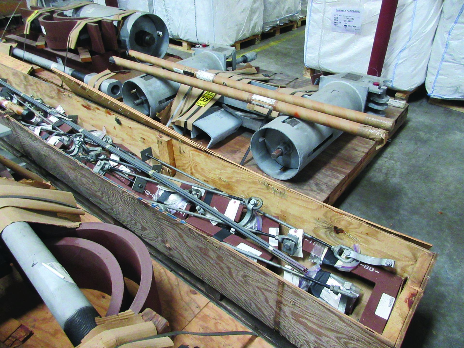 LARGE LOT OF STRUCTURAL STEEL & SPRING CANS, ANGLE IRON, PLATE BRACKETS, BRACING, GRID C5 - Image 4 of 21