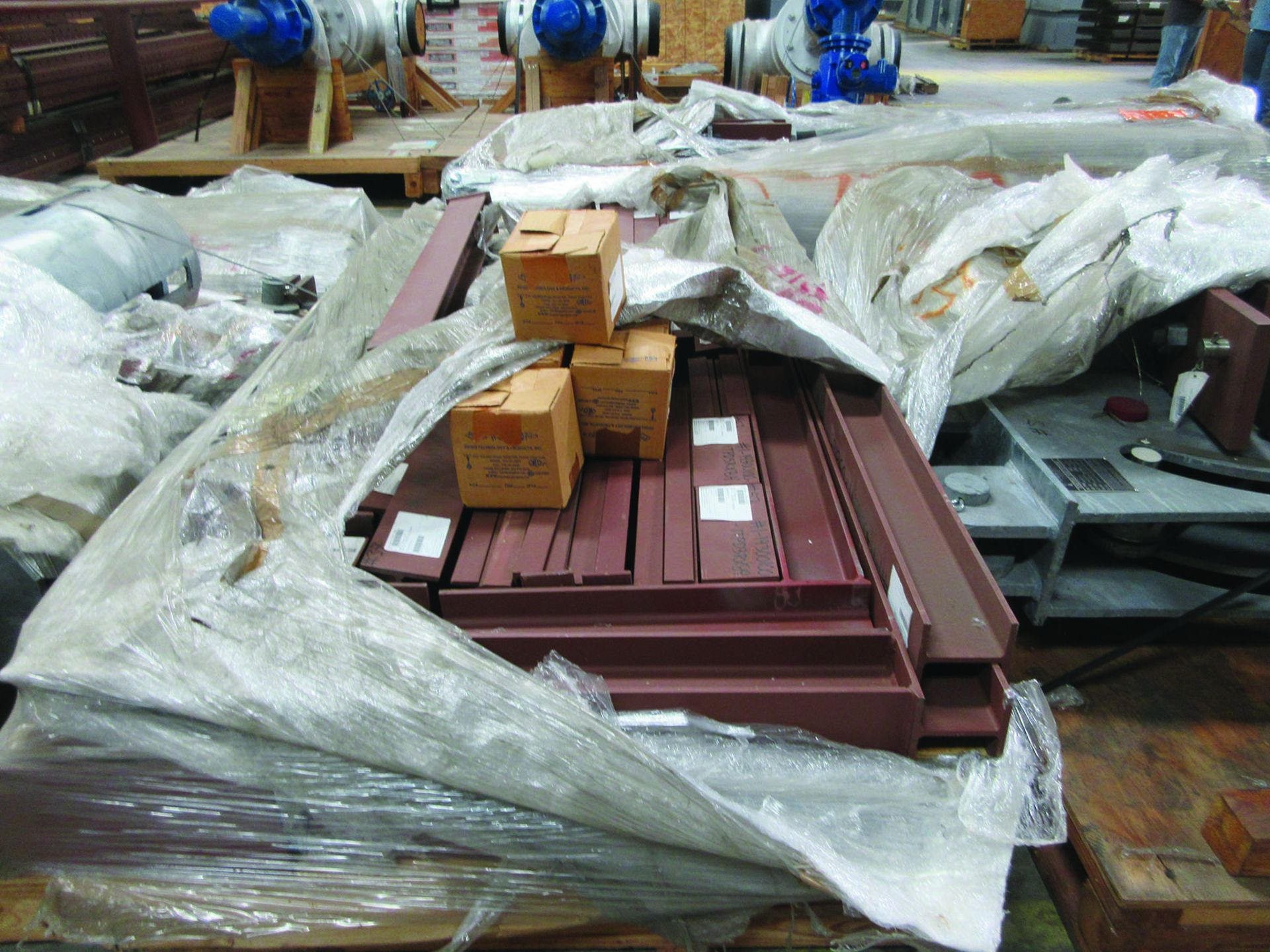 ASSORTED STEEL: PLATES, BEAMS, ROOF/SIDING SUPER RIB CLOSURES, BRACKETS, SPRING CANS, STEEL BRACING, - Image 12 of 16