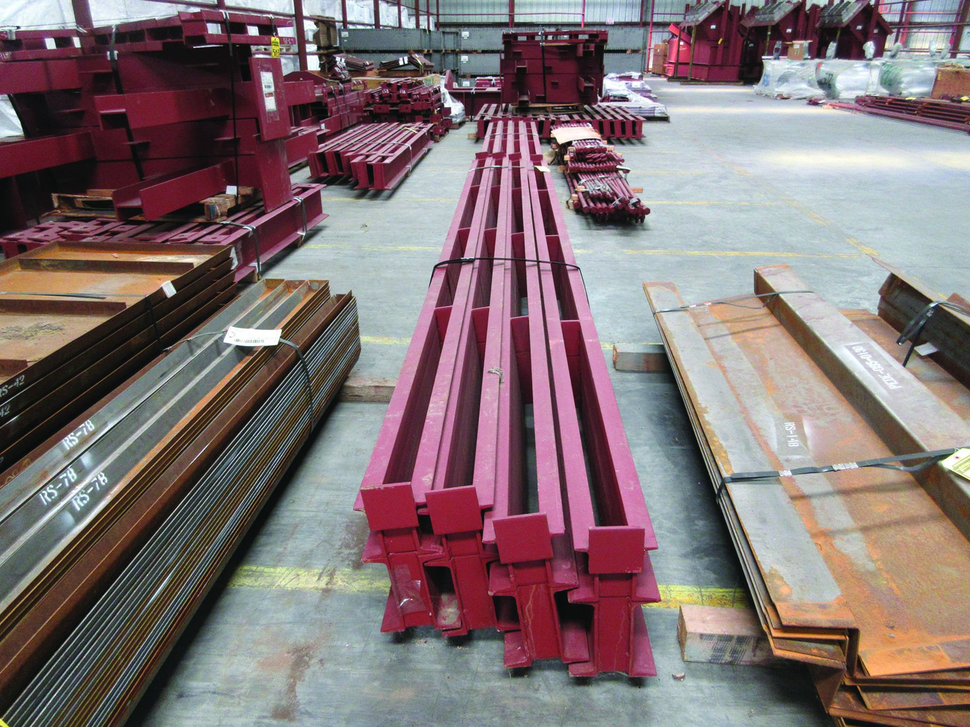LARGE LOT OF STRUCTURAL STEEL: BRACING, RODS, BRACKETS, GRID C7 - Image 2 of 19