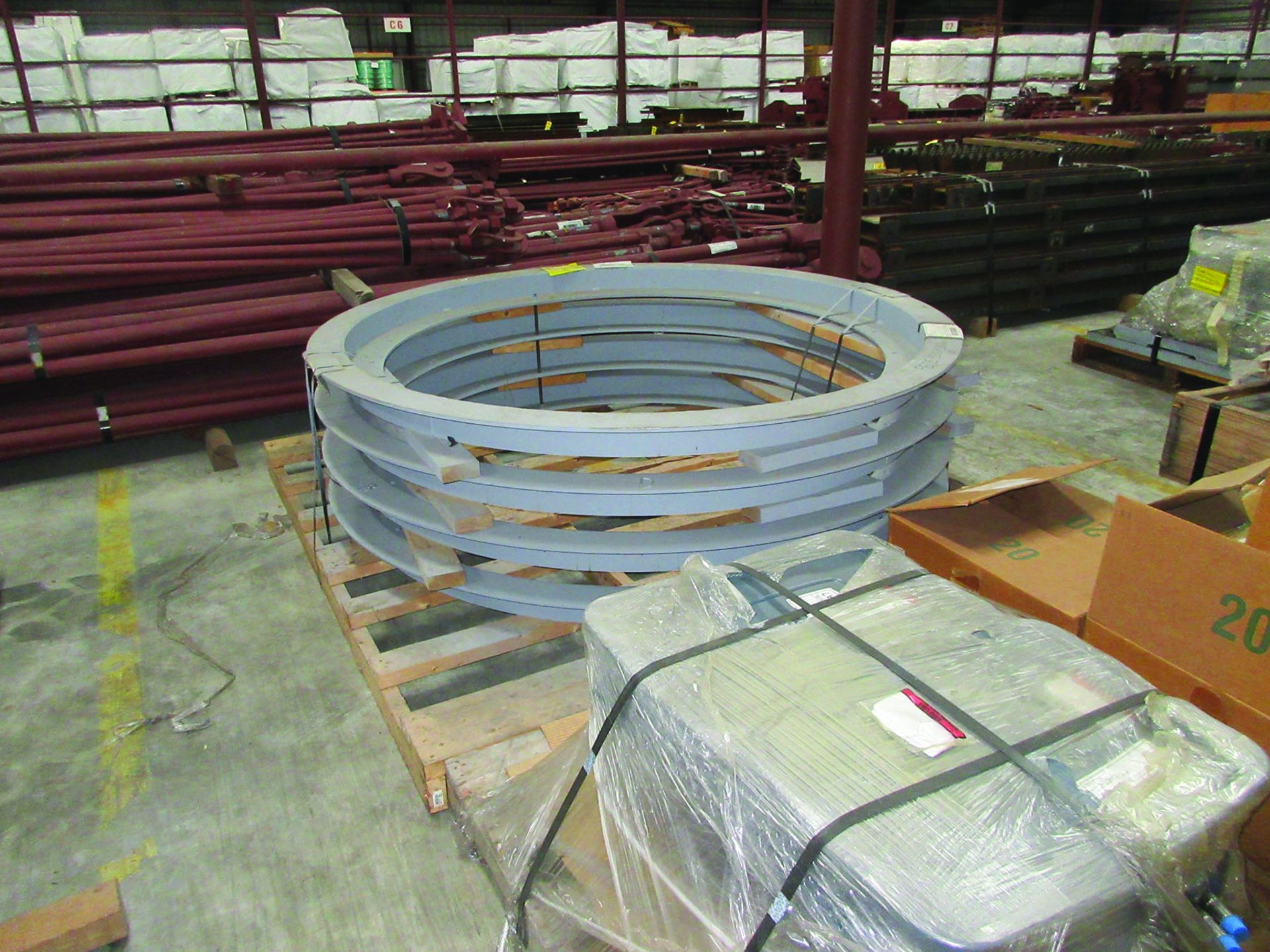 LOT OF ASSORTED PARTS: BARSETS, SHAFT COUPLINGS, COUPLING GUARDS, AND MORE, GRID A7 - Image 6 of 16