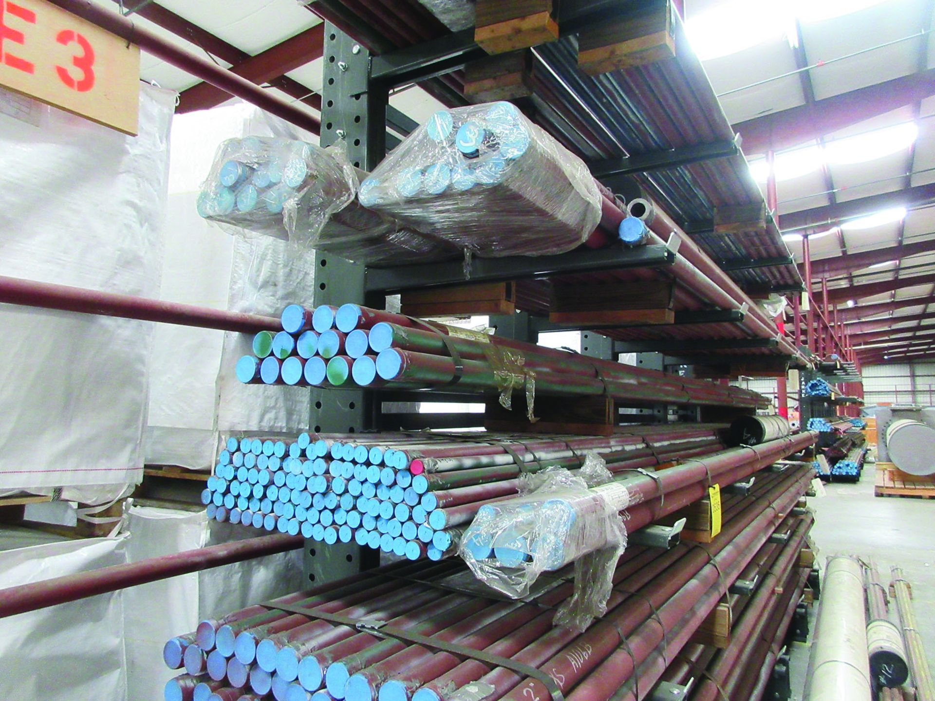 CANTILEVER RACK W/CONTENT: 120'' X 48'' X 202'', BUNDLES OF PIPE; 3/4'', 1'', 1 1/2'', 2'', MOST - Image 4 of 17
