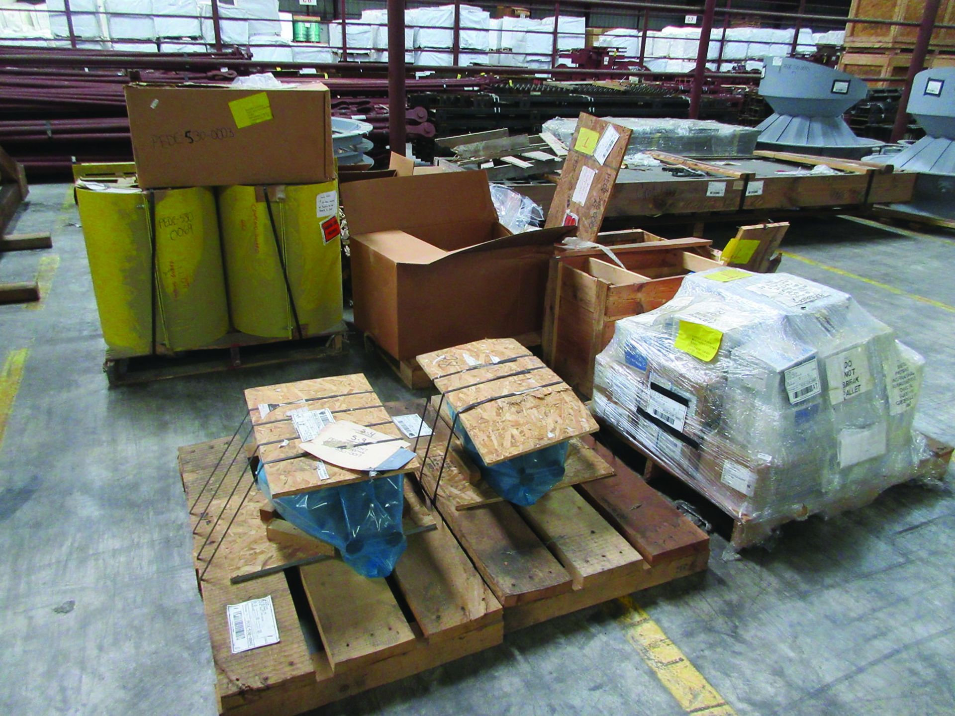 LOT OF ASSORTED PARTS: BARSETS, SHAFT COUPLINGS, COUPLING GUARDS, AND MORE, GRID A7 - Image 2 of 16