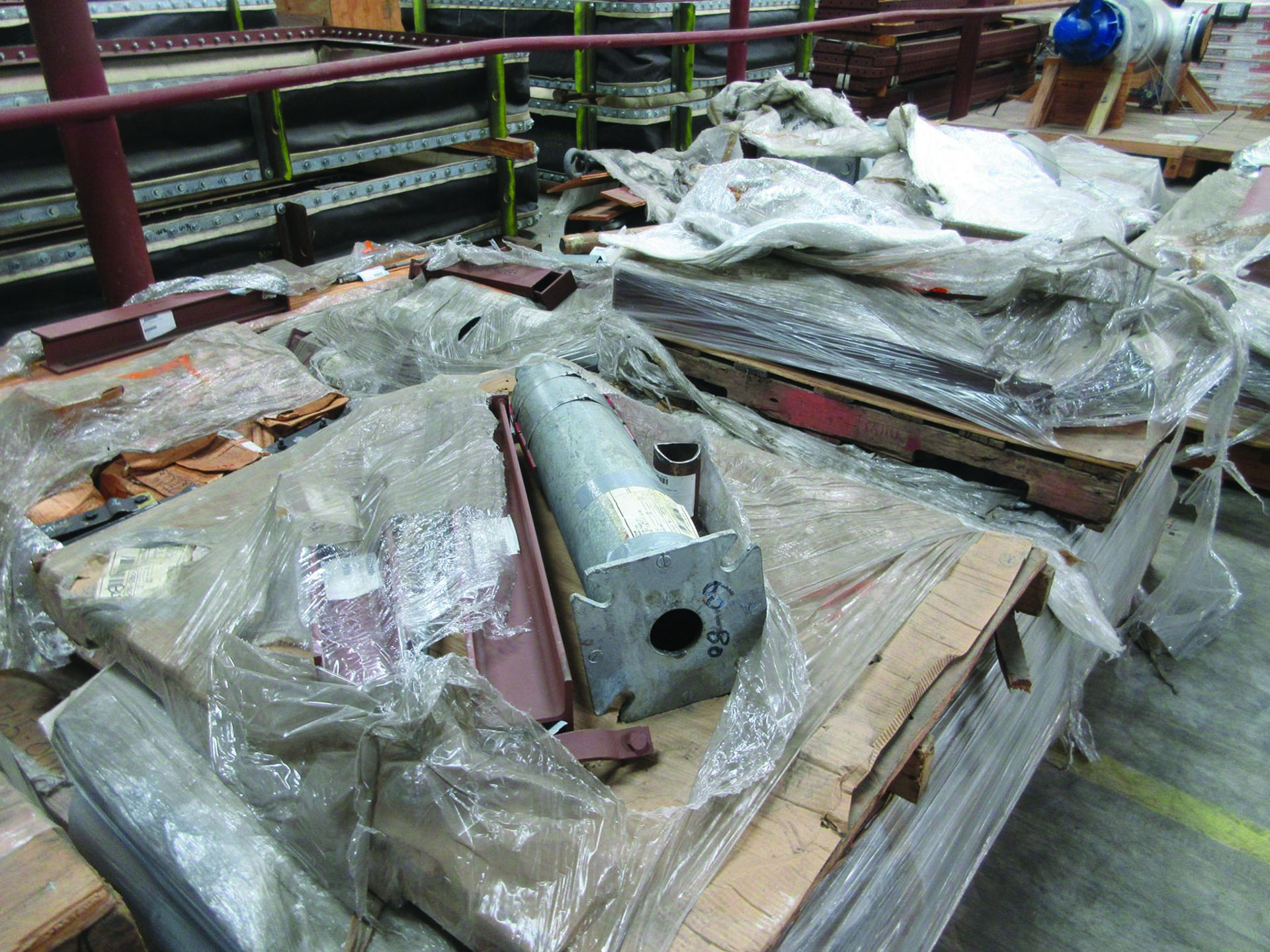 ASSORTED STEEL: PLATES, BEAMS, ROOF/SIDING SUPER RIB CLOSURES, BRACKETS, SPRING CANS, STEEL BRACING, - Image 10 of 16