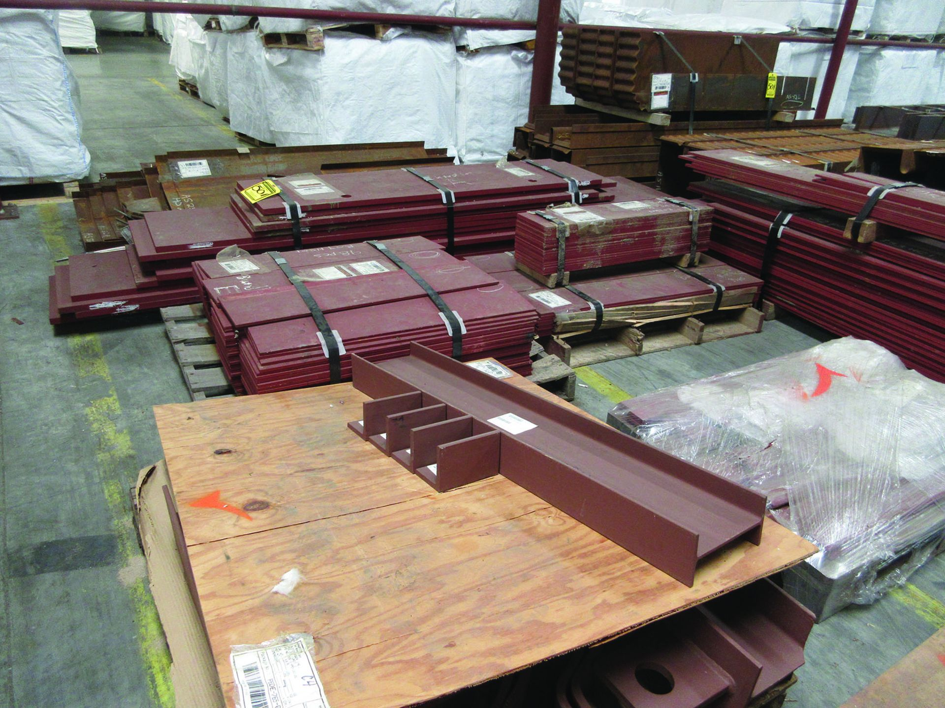 LARGE LOT OF STRUCTURAL STEEL & SPRING CANS, ANGLE IRON, PLATE BRACKETS, BRACING, GRID C5 - Image 16 of 21