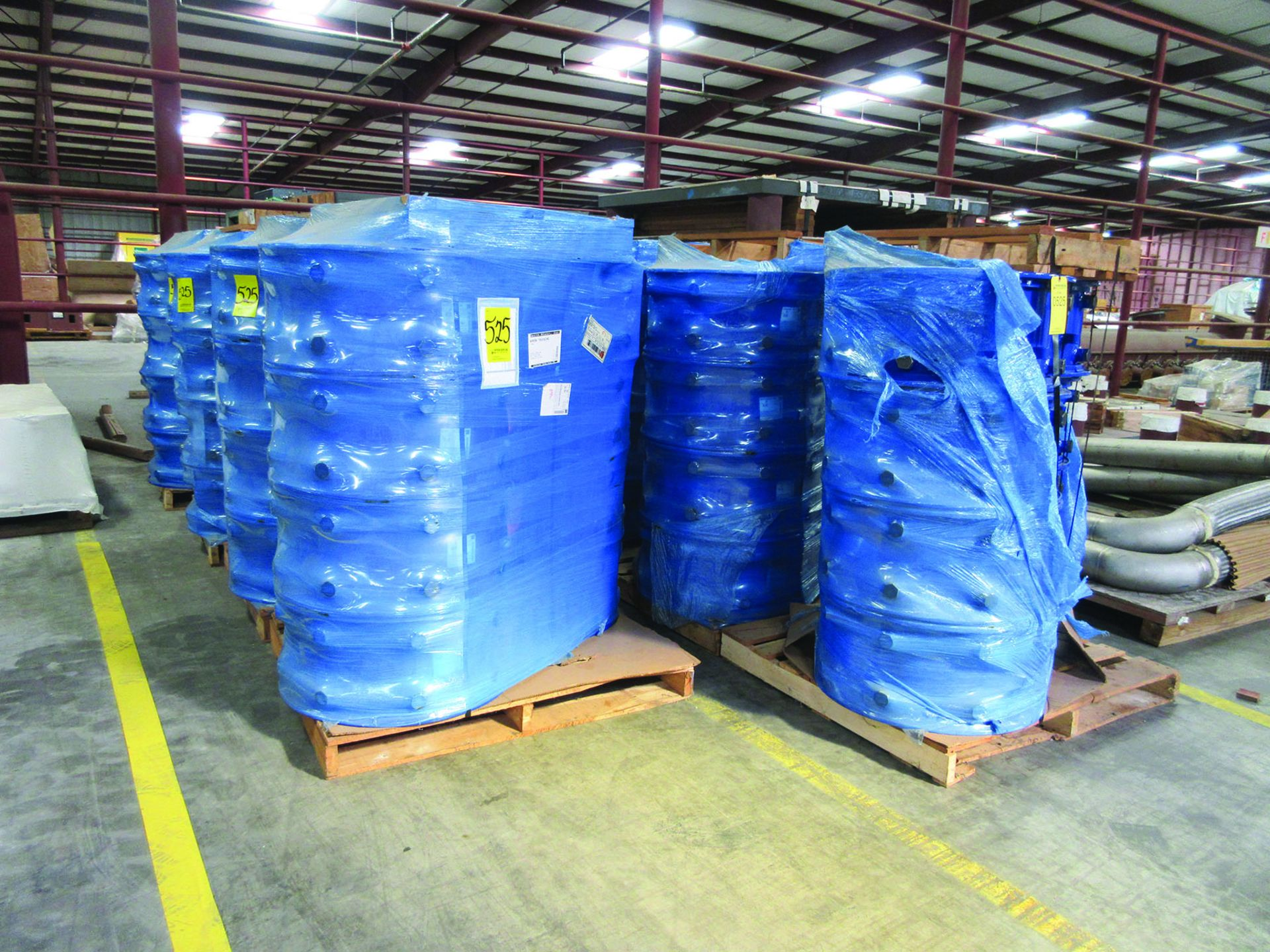 FIBREX INSULATION 4'' X 24'' X 48'' (4) PALLETS, COUPLING GUARDS, (72) 24'' STEEL LOCK COUPLINGS, - Image 4 of 5