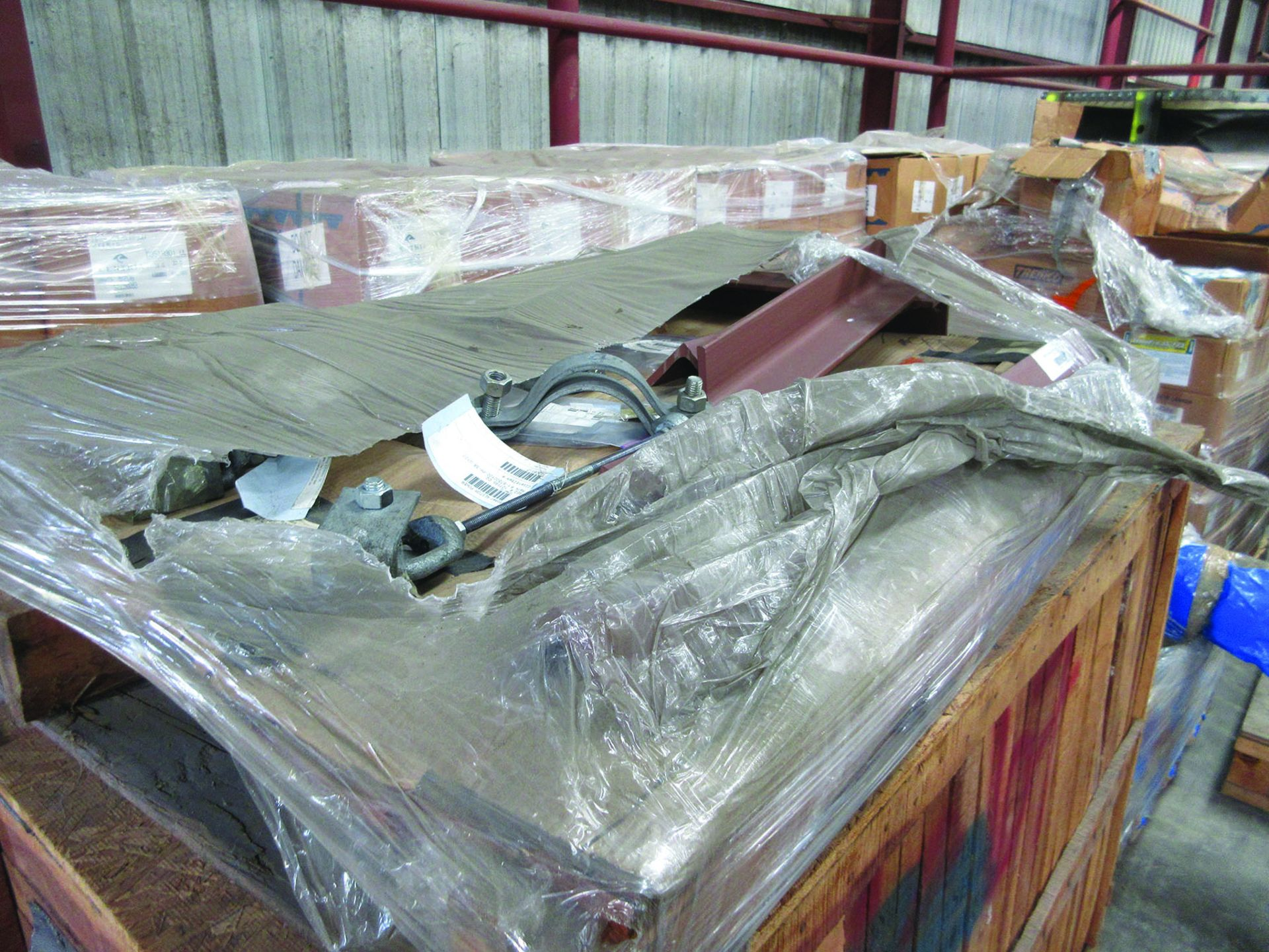 ASSORTED STEEL: PLATES, BEAMS, ROOF/SIDING SUPER RIB CLOSURES, BRACKETS, SPRING CANS, STEEL BRACING, - Image 4 of 16