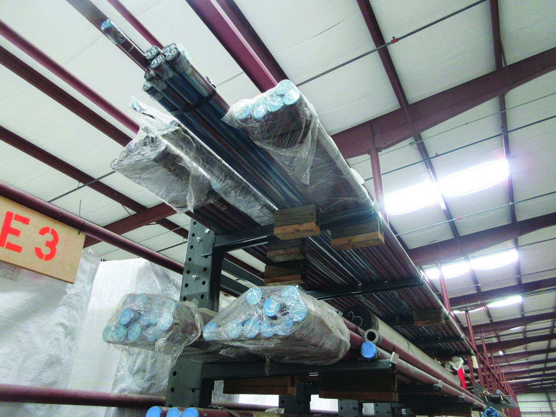 CANTILEVER RACK W/CONTENT: 120'' X 48'' X 202'', BUNDLES OF PIPE; 3/4'', 1'', 1 1/2'', 2'', MOST - Image 5 of 17