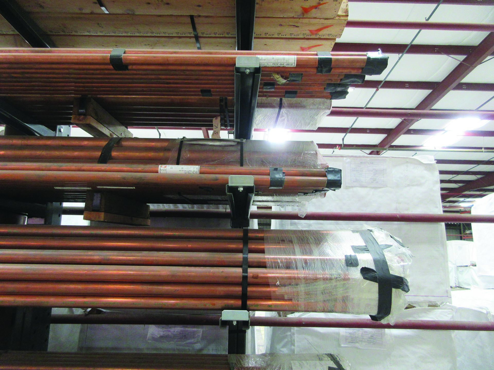 CANTILEVER RACK W/ CONTENT: 120'' X 48'' X 202'', BUNDLES OF COPPER PIPE; LARGER BUNDLES WEIGH 1, - Image 12 of 13