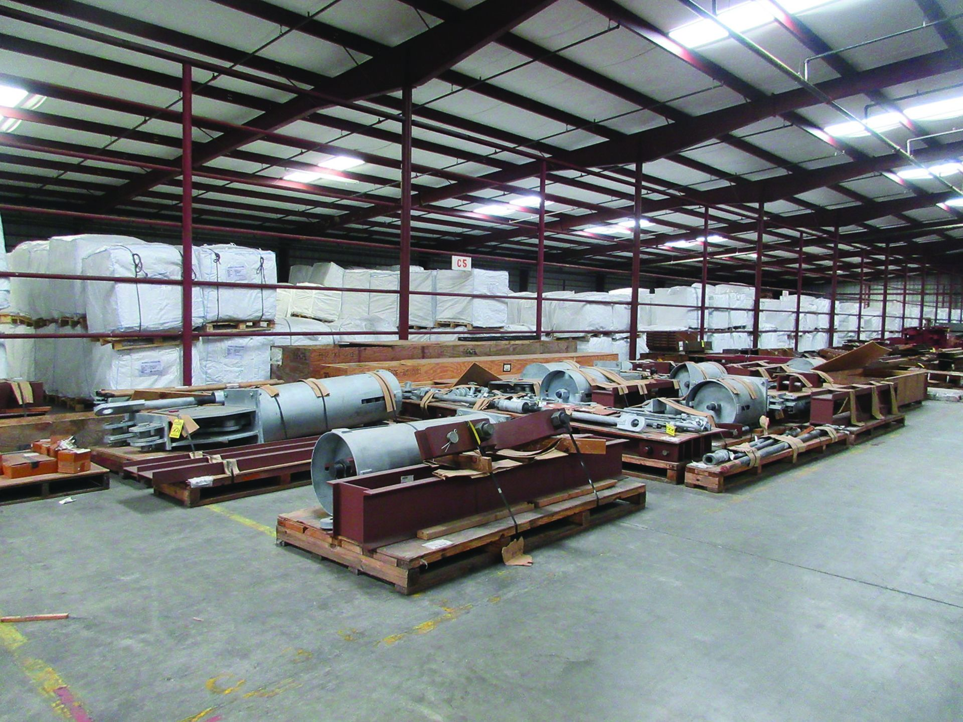 LARGE LOT OF STRUCTURAL STEEL & SPRING CANS, ANGLE IRON, PLATE BRACKETS, BRACING, GRID C5
