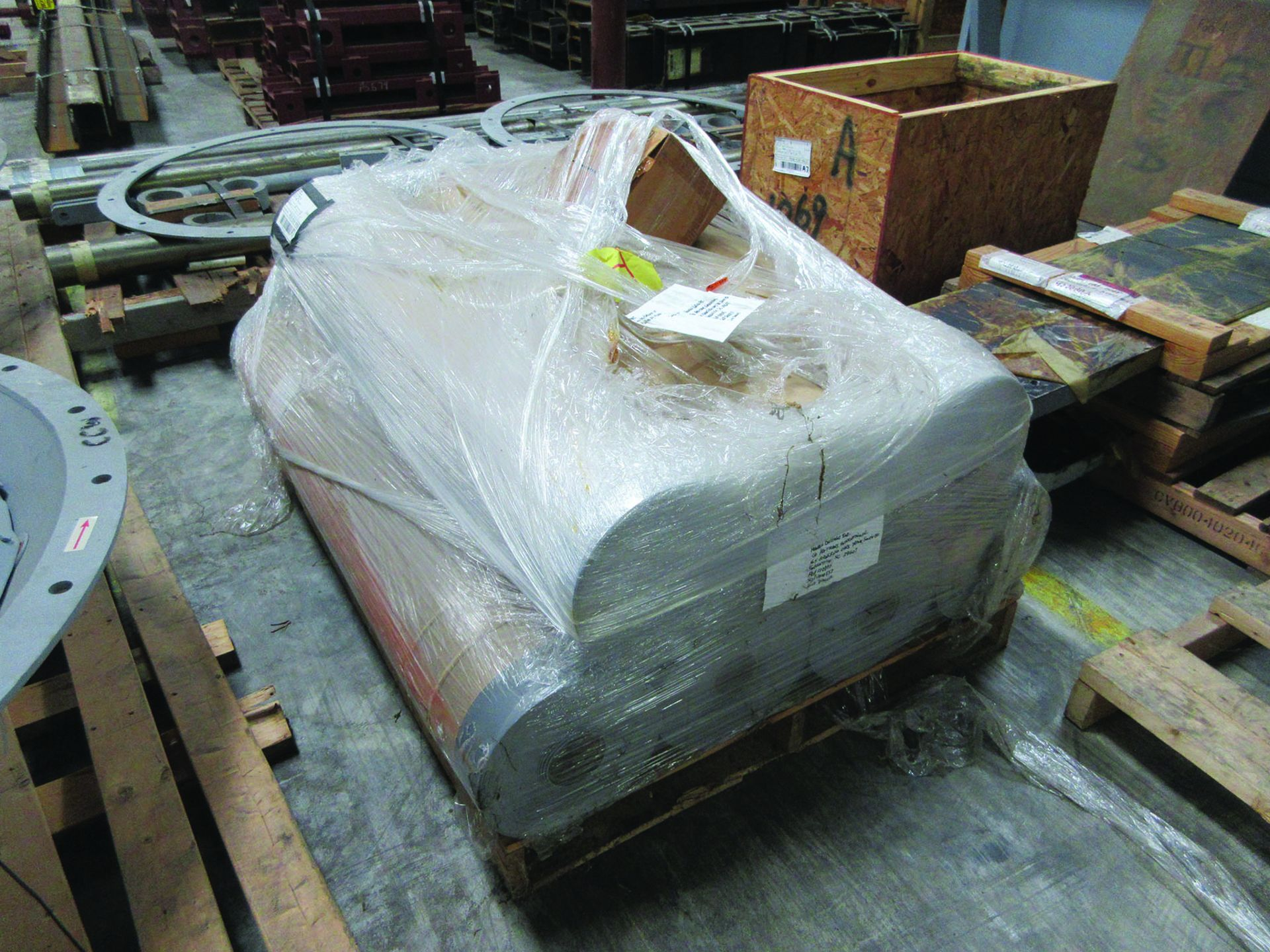 LOT OF ASSORTED PARTS: BARSETS, SHAFT COUPLINGS, COUPLING GUARDS, AND MORE, GRID A7 - Image 12 of 16
