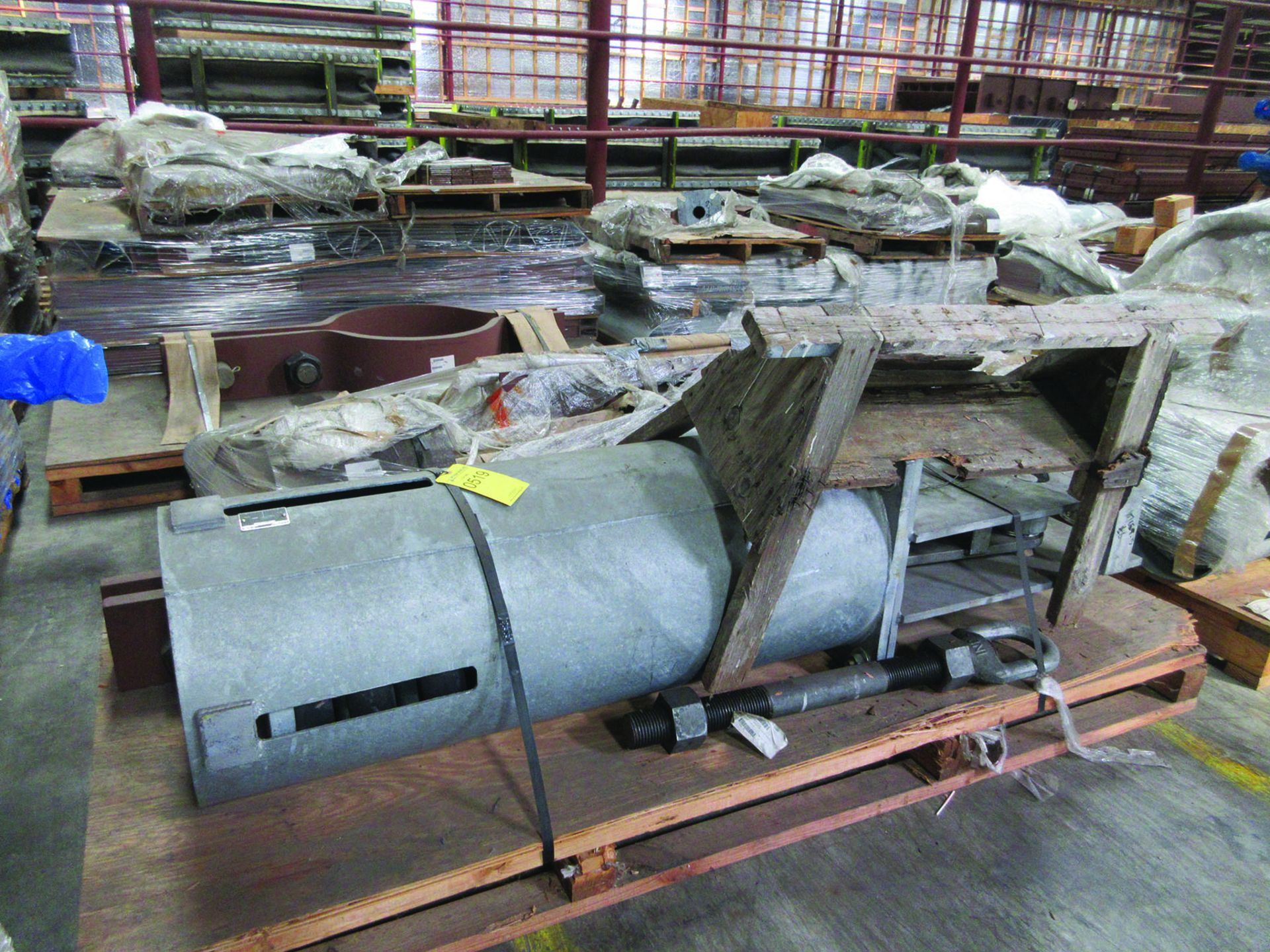 ASSORTED STEEL: PLATES, BEAMS, ROOF/SIDING SUPER RIB CLOSURES, BRACKETS, SPRING CANS, STEEL BRACING, - Image 5 of 16