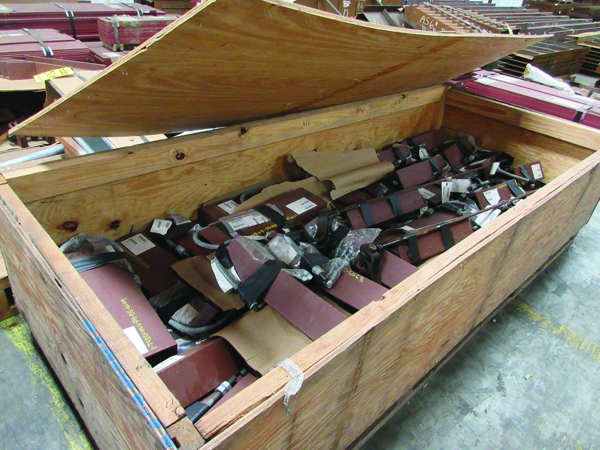 LARGE LOT OF STRUCTURAL STEEL & SPRING CANS, ANGLE IRON, PLATE BRACKETS, BRACING, GRID C5 - Image 15 of 21