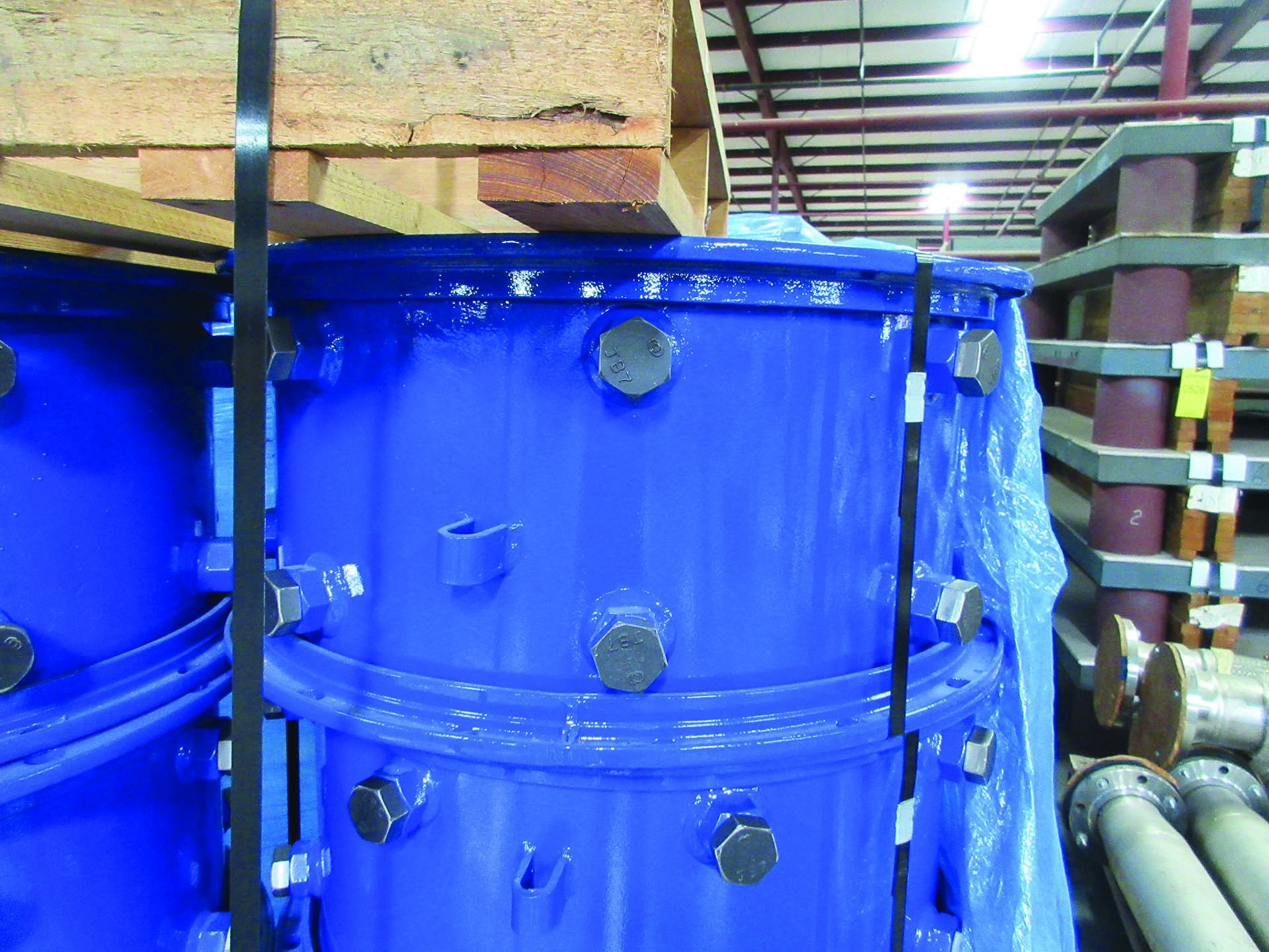 FIBREX INSULATION 4'' X 24'' X 48'' (4) PALLETS, COUPLING GUARDS, (72) 24'' STEEL LOCK COUPLINGS, - Image 5 of 5
