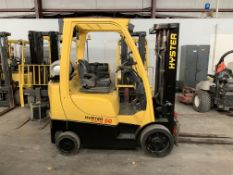 2013 HYSTER 5,000-LB., MODEL: S50FT, S/N: F187V24740L, LPG, LEVER SHIFT TRANSMISSION, SOLID TIRES,