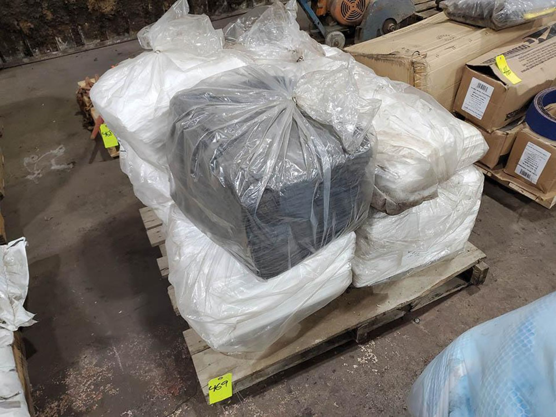 PALLET OF ABSORBANT PADS