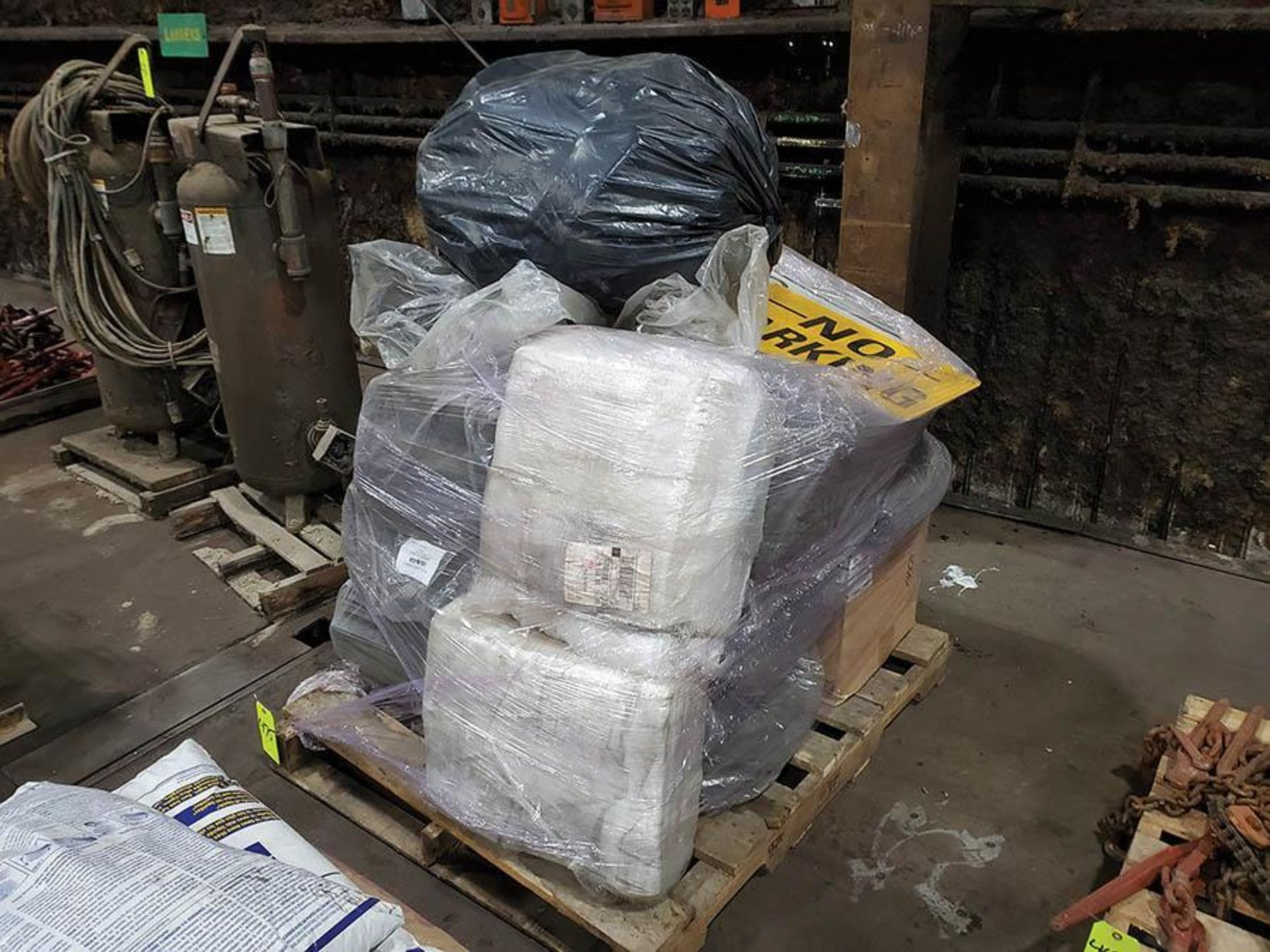 PALLET OF ABSORBANT PADS - Image 2 of 3