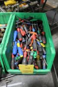 LOT: ASSORTED SCREW DRIVERS & SLOTTED SCREW DRIVERS