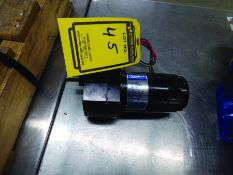 LEESON 1/17-HP DC ELECTRIC MOTOR, 90 V., MODEL #985-626H, W/ GEAR REDUCTION H5-119-018
