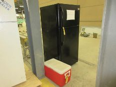 FRIGIDAIRE HOUSEHOLD REFRIGERATOR AND COLEMAN COOLER