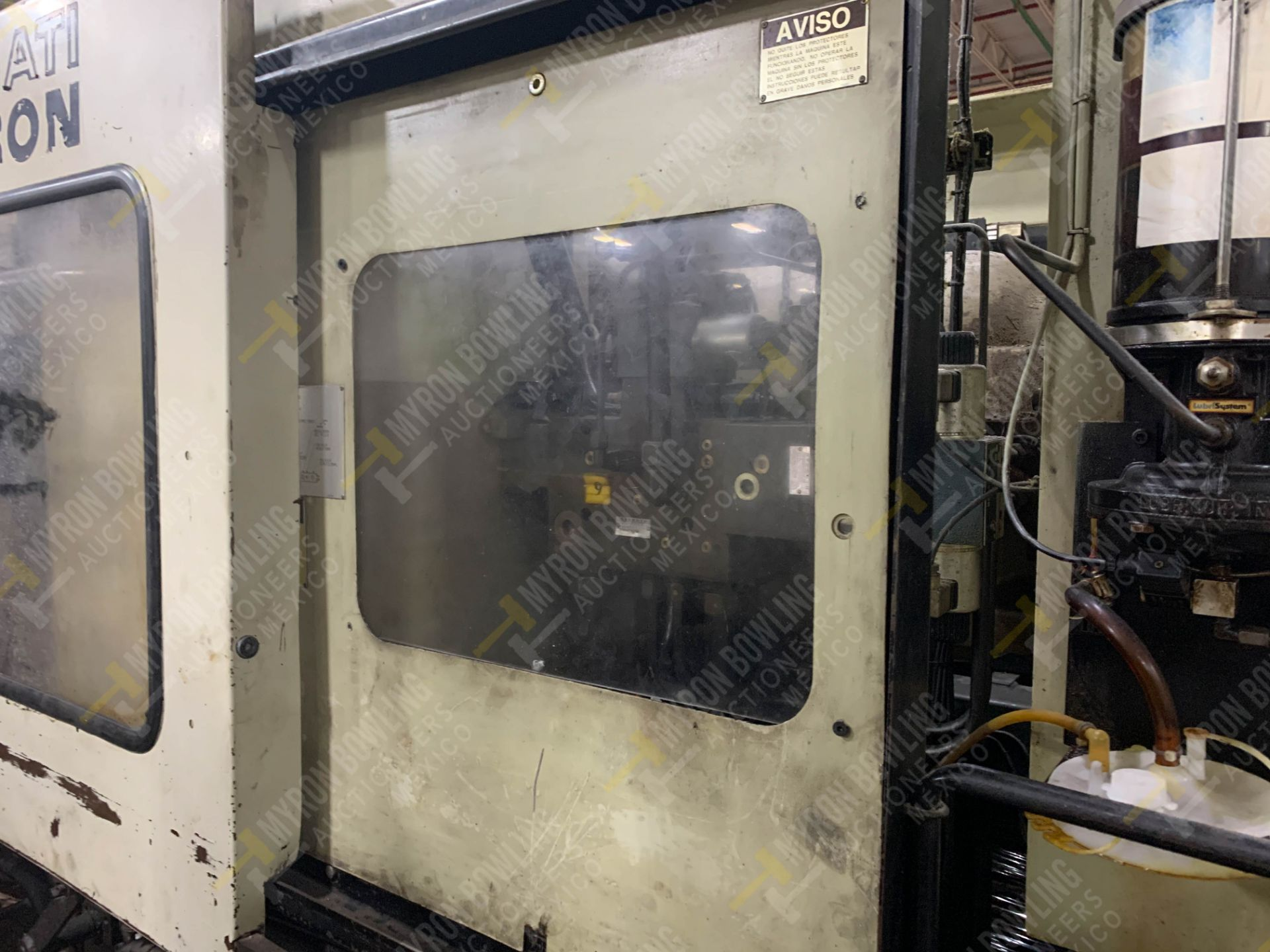 Lot 9 - 220 TON CINCINNATI MILACRON VT-220-17 PLASTIC INJECTION MOLDING MACHINE, MFG YEAR 1994